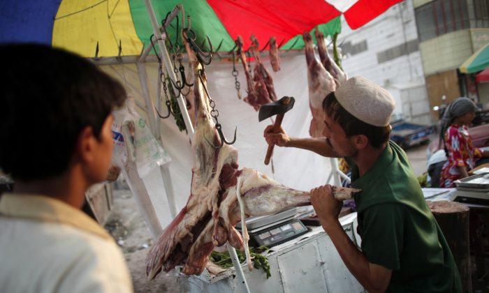 china-xinjiang-uyghurs-halal-ban-700x420